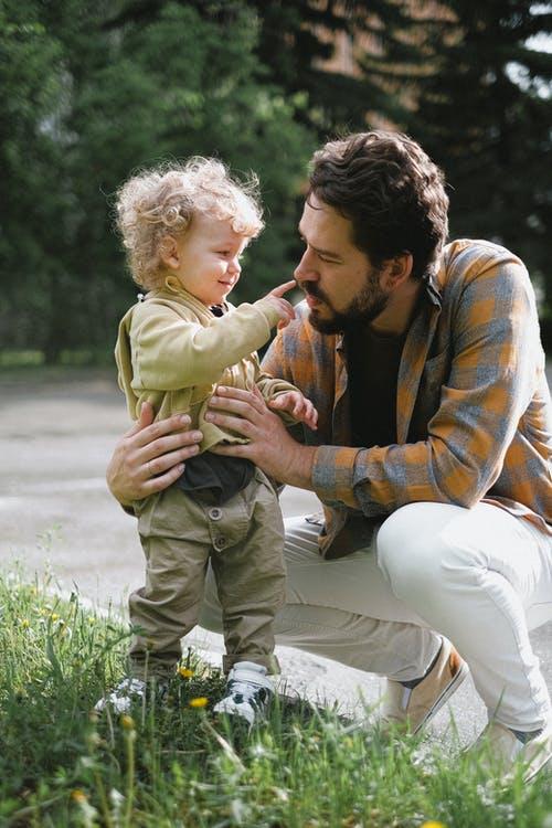 Was Männer für ihren Sohn tun können oder:  Welchen Einfluss hat die Erziehung auf unsere Sexualität?